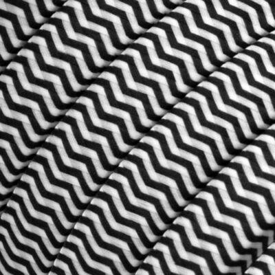 Elektromos kábel , műselyem szövet borítja ZigZag fehér-fekete CZ04